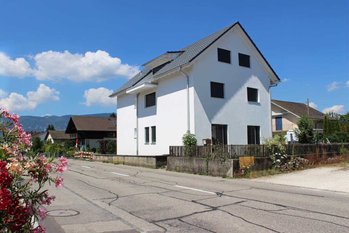 Anbau Aufstockung Mehrfamilienhaus mit 3 Einheiten, Biberist Imowa Architektur Zuchwil Solothurn